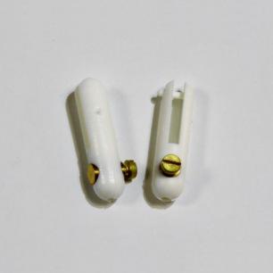 Chapes plastique avec vis de fixation commande