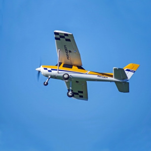 Trainer Ranger 1220mm PNP kit avec flotteurs et Free Reflex System de FMS