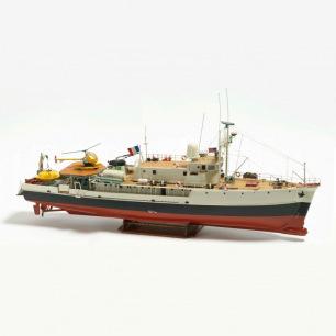 Bateau La Calypso 560 1/45 de Billing Boats